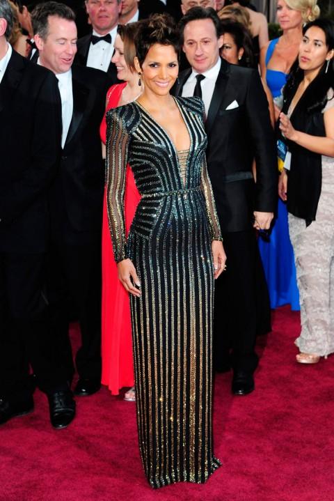 Oscar-2013-Halle-Berry-vestido-Versace