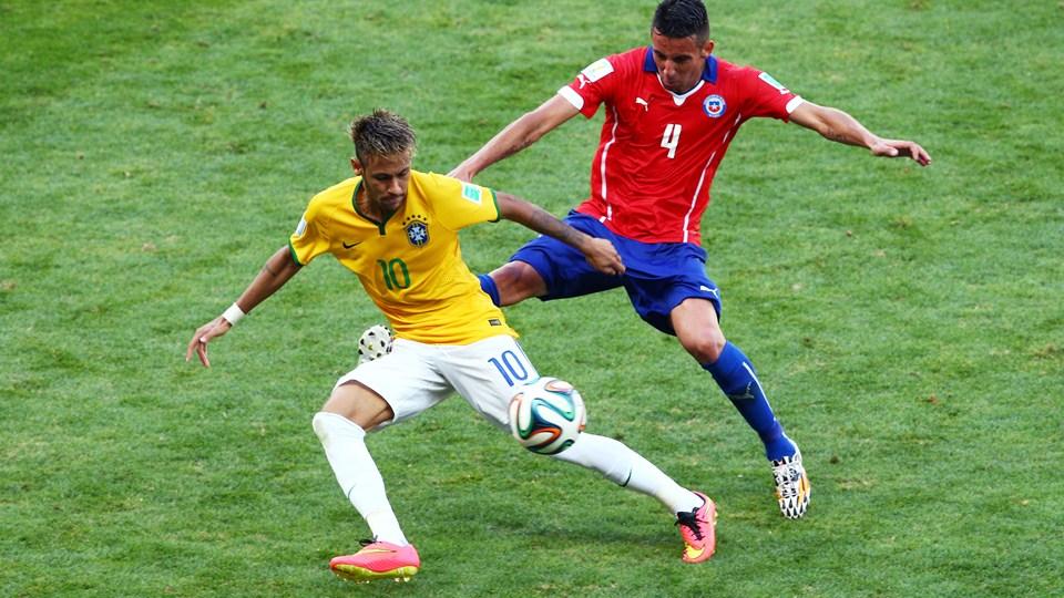 ead149a014997 chuteira-neymar-hypervenom-rosa-4